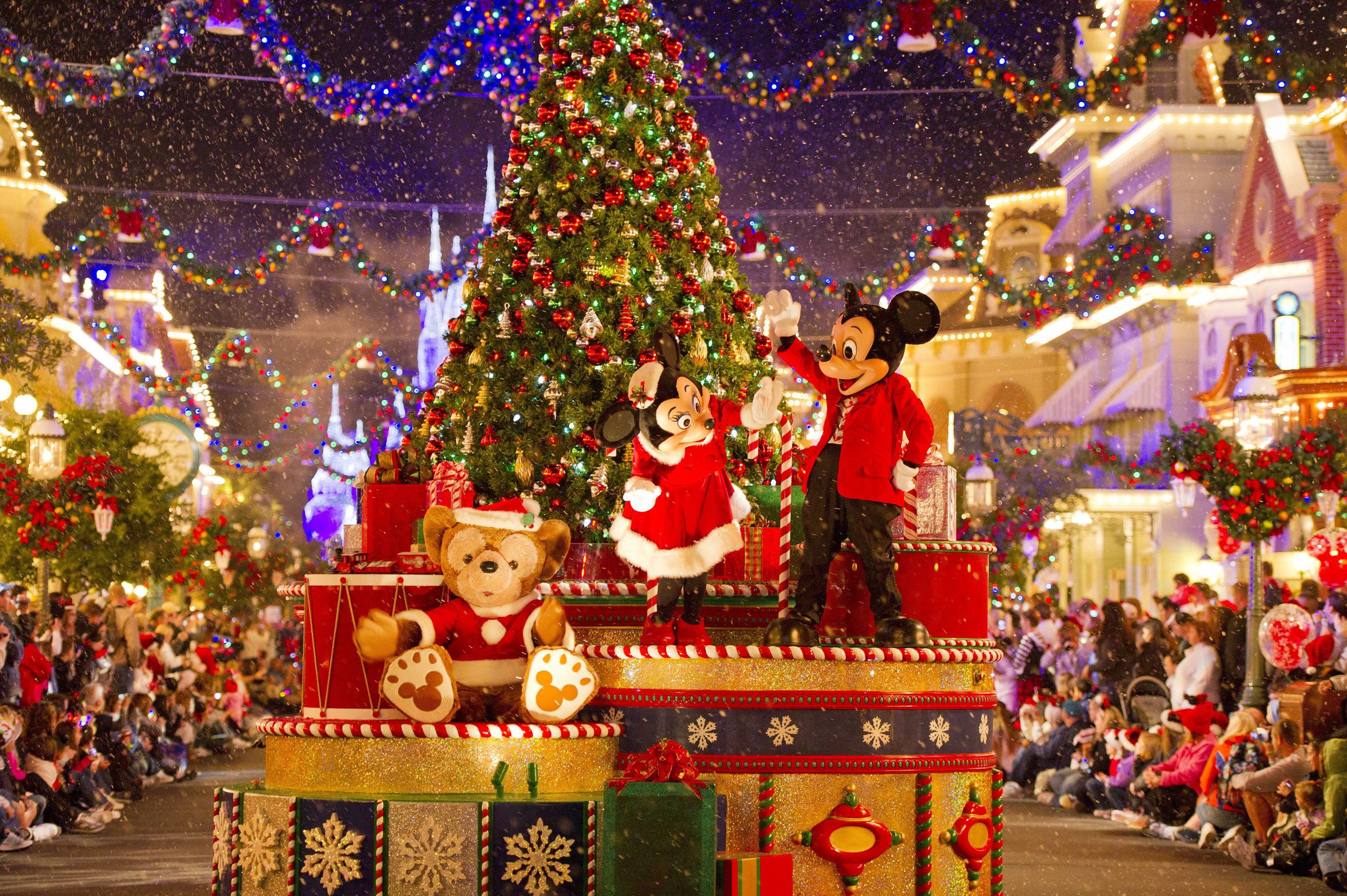 Top 3 Must-Do's at Walt Disney World this Christmas | My VIP Tour Blog