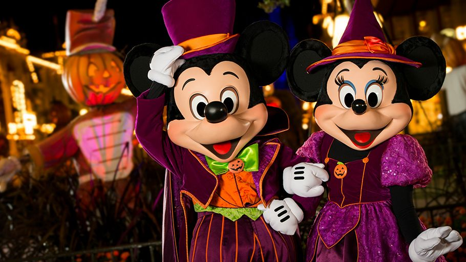 Fall in Love with the Holiday's at Walt Disney World